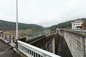 寺山ダム洪水吐け上