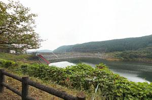 寺山ダム湖