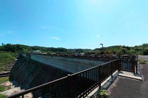 金沢調整池左岸下流
