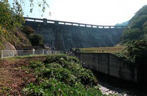 東山ダムダム下