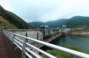 大川ダム左岸ダムサイト