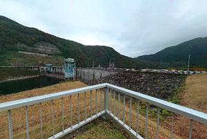 大川ダム右岸ダムサイト