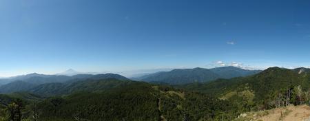 笠取山山頂から